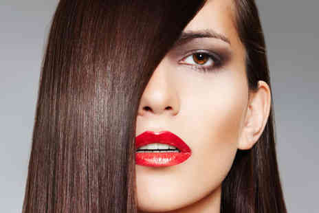 La Chic Hair and Beauty - Haircut and Brazilian Keratin Straightening Blow Dry - Save 65%