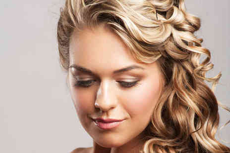 Bodhi Roots - Haircut, Blow Dry, and Deep Conditioning Treatment - Save 57%