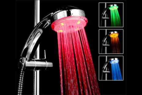 Geneewenee - LED colour changing shower head - Save 75%