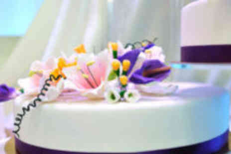 The Place of Excellence - Half day cake decorating - Save 71%