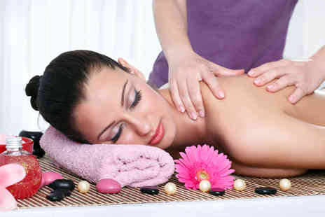 Skin Surf - 90 minute pamper package including body scrub, back & shoulder massage & facial - Save 85%