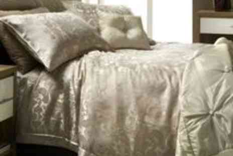 UK Bedding - Jeff Banks Complete Designer Bedding Set - Save 58%