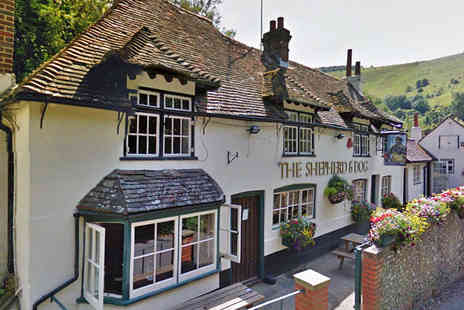 The Shepherd and Dog - Starter Main Course and Glass of Wine Each for Two - Save 56%