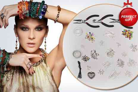 Curtzy - 1027 piece jewellery making set - Save 50%