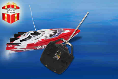 Gadgets and More - Remote controlled speedboat - Save 58%