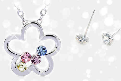 Essential Silver - Gorgeous Flower Blossom Necklace and Earrings Set - Save 84%