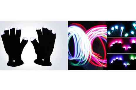 Dodally Buys - Amazing LED Gloves - Save 50%