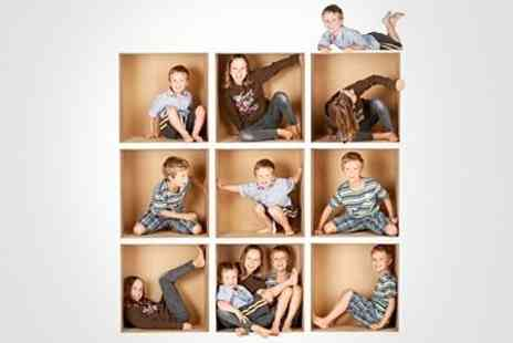Photo Nottingham - Family Photoshoot With Framed Print - Save 50%