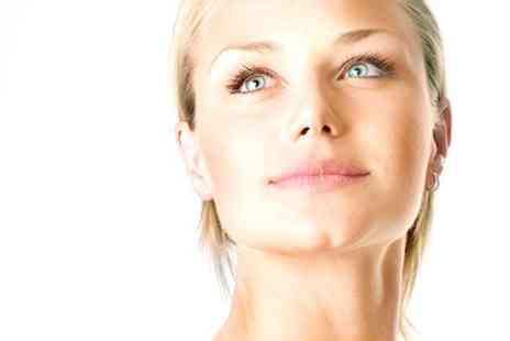 Flow of life - Revitalising Facial or Cleansing Package - Save 63%
