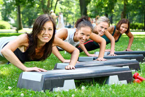 UK Outdoor Fitness - One fitness class a week for 1 month - Save 55%