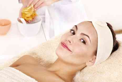 Guys & Dolls - Glycolic Facial Peel With Body Wrap - Save 66%