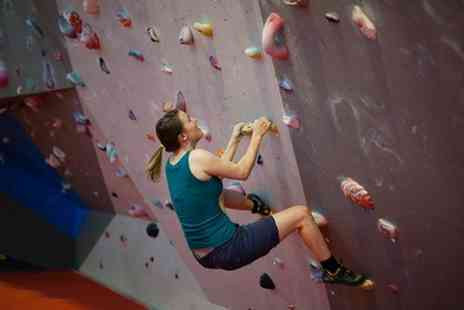 Boulder Brighton - Entry Lesson  Shoe Hire and Return Day Pass - Save 60%