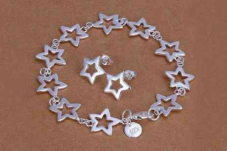 Go GetIt Boutique - Classic  Stars Bracelet & Earring Set - Save 50%