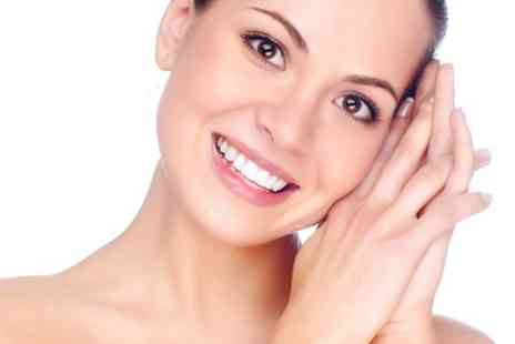 Harbour Dental Care - Harbour Dental Care Check Up With Scale and Polish - Save 68%