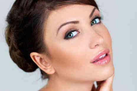 Celebeauty Smile White Spa - Choice of Semi Permanent Makeup on Eyebrows, Eyeliner or Lip Liner - Save 70%
