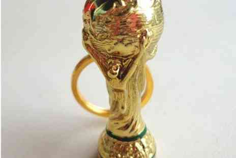 Londeal UK - Brazil 2014 Mini World Cup Keyring - Save 86%