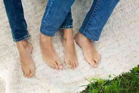 Mal Bet Beauty - One session of laser fungal treatment on five toes - Save 79%