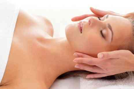 Essencia Health & Beauty Clinic - Pamper Package  - Save 44%