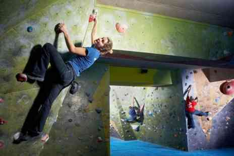 The Climbing Academy - Three Sessions Bouldering Induction - Save 60%