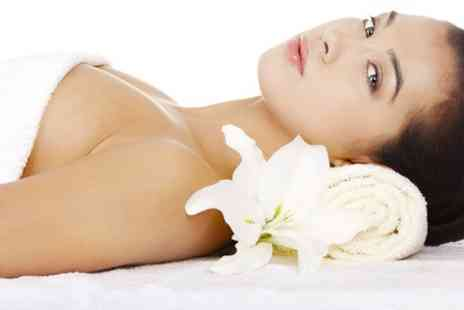 Skin and Tonic - One Sessions Contouring Body Wrap - Save 53%