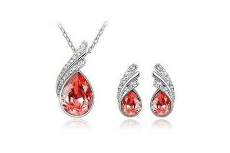 Mega Deals UK - White Gold Plated Necklace & Earrings Set - Save 72%