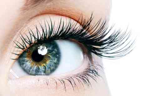Flirtiz beauty - Eyelash Extensions Plus Eyebrow Wax and Tint - Save 68%