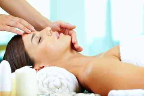 Shona Ann Hill Holistic Therapist - One hour reflexology session or Thai foot massage - Save 50%