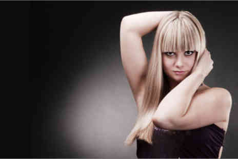 Rapture Hair Studio - £22 for a half-head of highlights, cut, finish, post-colour treatment and scalp massage - Save 73%