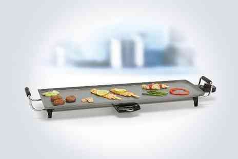 Seleccion de Producto - Get a licence to grill the easy way with a 2000W tabletop multi grill - Save 50%
