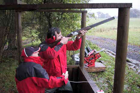 Kelly Country Sports - Clay pigeon taster experience for 2 people including a picnic - Save 60%
