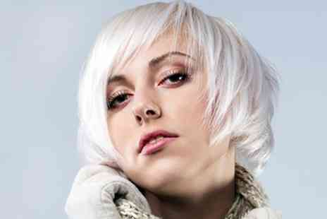 Avant Garde Group - Half head of foils or full head of tint - Save 59%