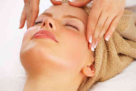 Salon 1927 - Deluxe Hour Long Facial with Eyebrow Shape and Wax - Save 73%