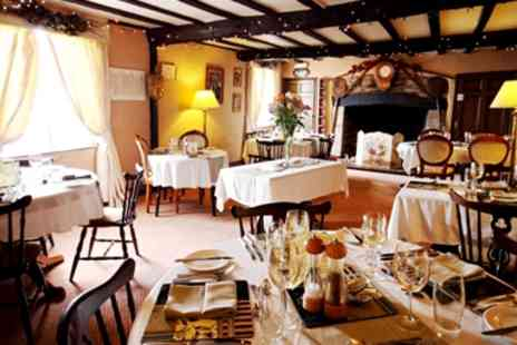 The Crown Country Inn - Highly Rated Dinner & Bubbly for two - Save 52%