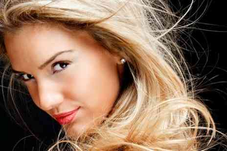 Glo Cardiff - Highlights Plus Restyle, Conditioning and Blow-Dry - Save 74%