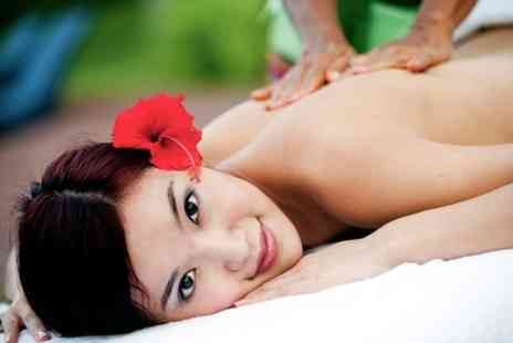 Su & Nin Thai Spa - Choice of Thai or Aromatherapy Massage - Save 62%