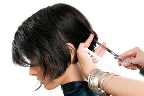 Innerspirit Spa - Restyle, blow dry and conditioning treatment - Save 79%