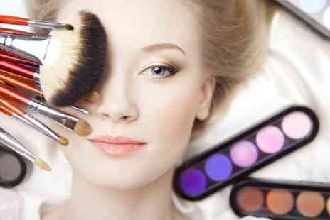 London Make-up Institute - Two Day Make Up Artist Course - Save 60%