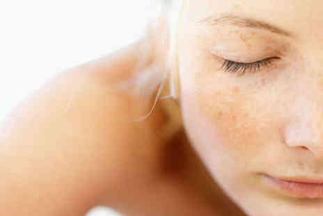 Innervision Beauty - 30 Minute Facial and 30 Minute Head Neck and Shoulder Massage - Save 52%