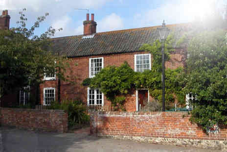 Sutton Staithe Hotel - Two night stay for 2 including breakfast both mornings - Save 42%
