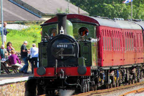 Wensleydale Railway - Romantic Valentines Day lunch for two aboard The Wensleydale Railway, Saturday 15th February � just £27! - Save 46%
