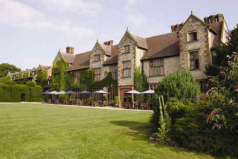 Puma Billesley Manor Hotel - Four star Elizabethan country hotel with breakfast, three course dinner, bottle of wine and lovely extras  - Save 56%