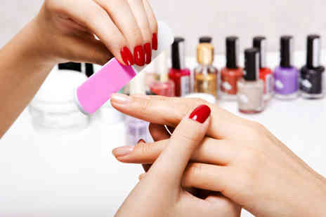 Liverpool Training Academy - Two hour gel nails manicure course � save 60%
