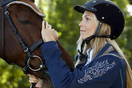 Woodredon Equestrian Centre - One group horse riding lesson - Save 51%