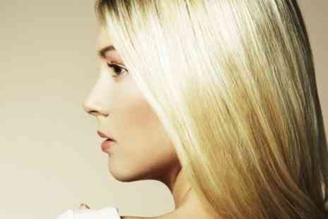 Oscars Hairdressing - Restyle cut and blow dry finish   - Save 62%