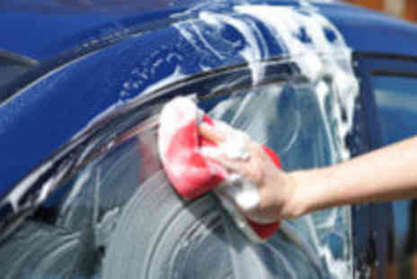 The Great American Carwash - Full car wash and wax - Save 60%
