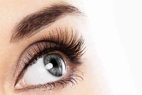 Kutz n Beauty 4 - Semi Permanent Eyelash Extensions Plus 3D Brows  - Save 73%