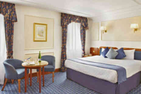 Thistle London - Overnight Stay at Thistle Heathrow with Airport Parking - Save 28%