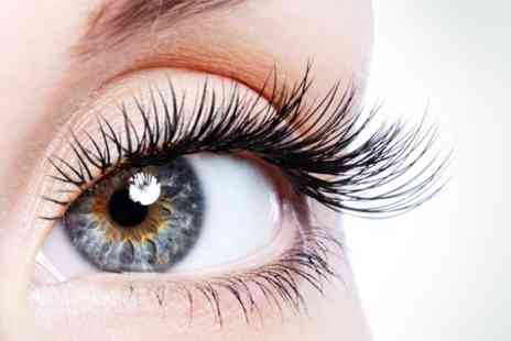 Zoo Hair and Beauty - Semi Permanent Eyelash Extensions  - Save 50%