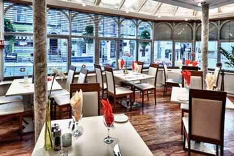 Divino and Vivido - Highly Rated Italian Dinner & Bubbly for Two - Save 57%