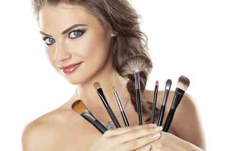 RA Academy - Make Up Class Plus Photoshoot or Eye Class - Save 52%